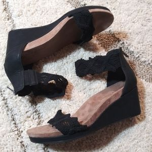Lucky Brand wedges 8.5